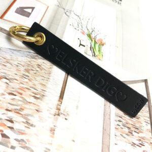 nøglering med tryk i læder, læder nøglering, nøglering med navn, læder nøglering med navn, personlig læder nøglering, nordic simple large, nordisk design, dansk design